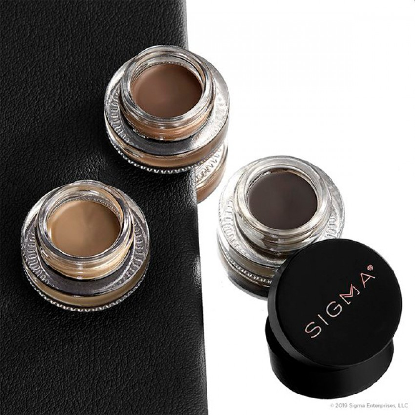 Define + Pose Brow Pomade by SIGMA BEAUTY