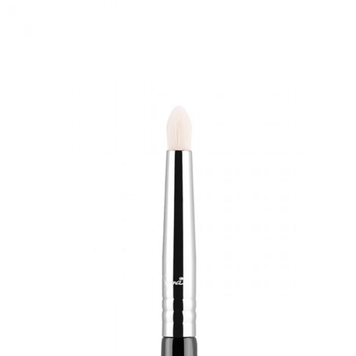 E30 Pencil Eye Brush by Sigma Beauty