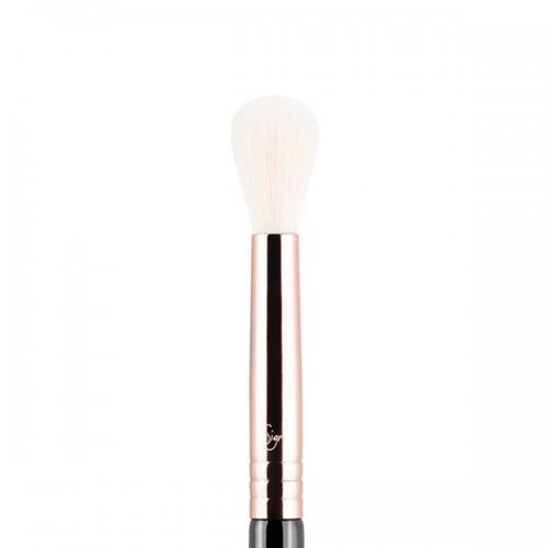 E35 Tapered Blending Eye Brush by Sigma Beauty