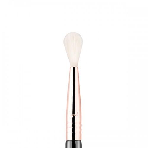E36 Blending Eye Brush by Sigma Beauty