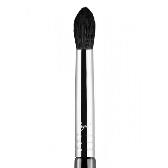 E45 Small Tapered Eye Brush by Sigma Beauty