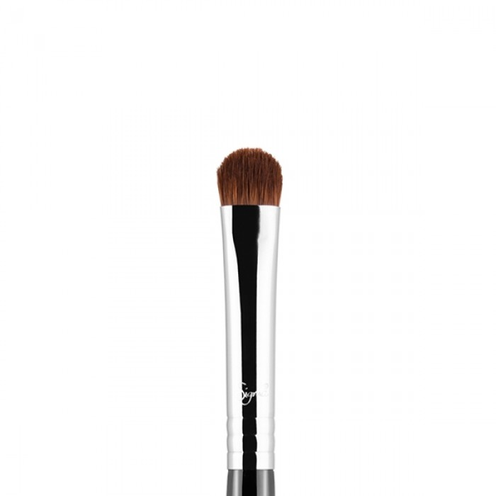E57 Firm Shader Eye Brush by Sigma Beauty