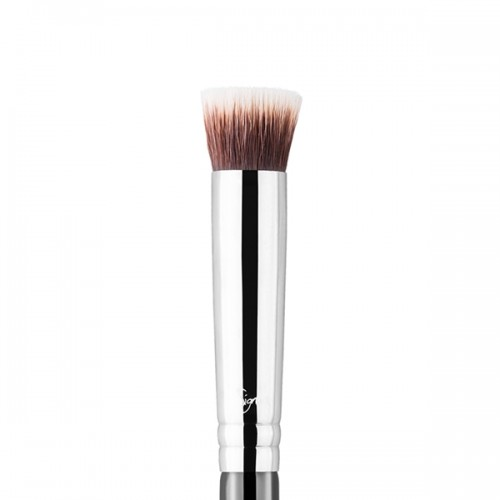 P80 Precision Flat Face Brush by Sigma Beauty