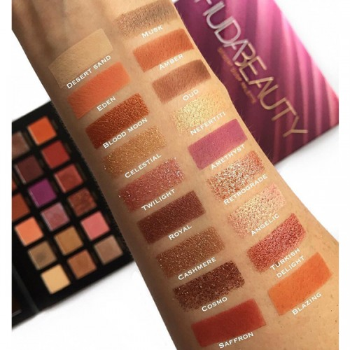 Desert Dusk Eyeshadow Palette by Huda Beauty ** Pre-Order: 7 Business Day Delivery**