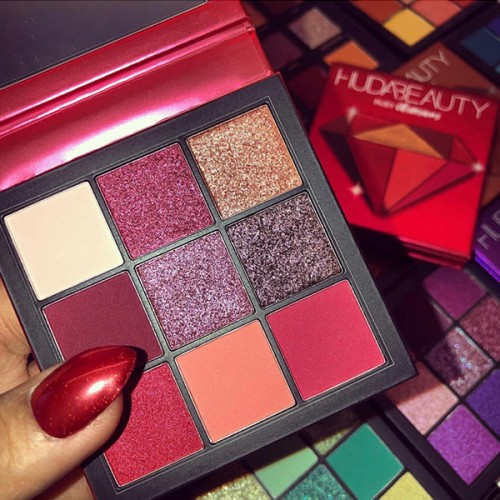 Ruby Obsessions Palette by Huda Beauty ** Pre-Order: 7 Business Day Delivery**