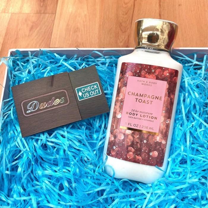 Bath & Body Works Body Lotion Champagne Toast (8 oz)