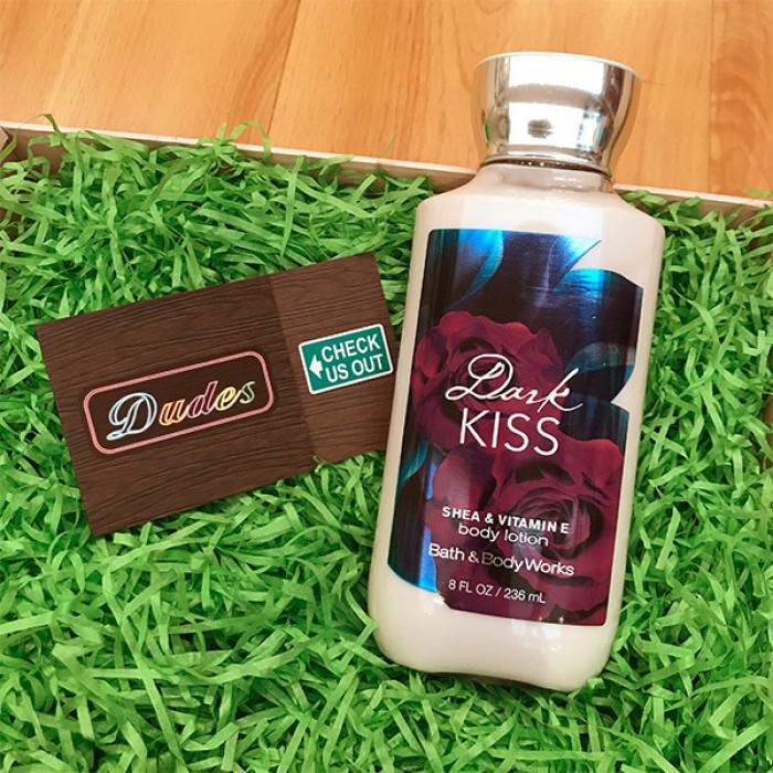 Bath & Body Works Body Lotion Dark Kiss (8 oz)