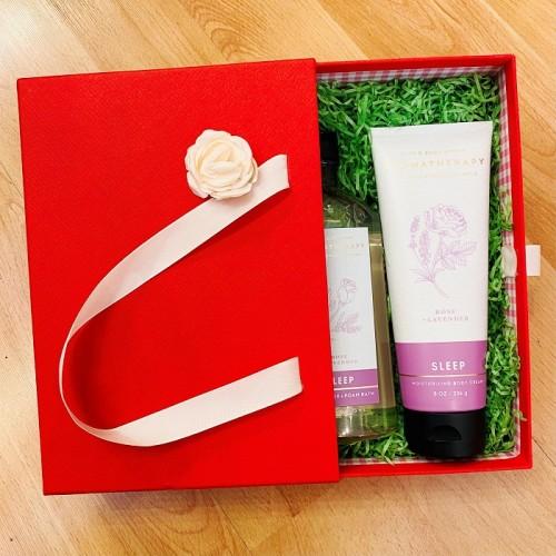 ** Gift Set F - Bath & Body Works Aromatherpy Body Cream & Foam Bath