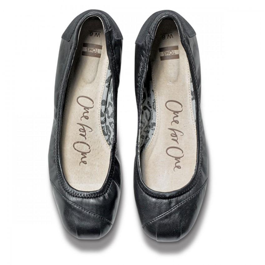 139c48ab542 TOMS Black Camila Ballet Flats